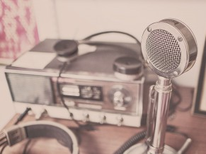 The surest way to the radio begins with an internship – yours as well?